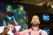 Whatever Jared Leto Is Doing in This Pic - 30 Magnificent Panel Pics From Comic-Con 2016