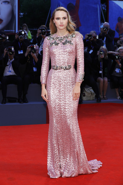 'The Bad Batch' Premiere - 73rd Venice Film Festival [the bad batch premiere,fashion model,gown,flooring,dress,carpet,fashion,catwalk,red carpet,haute couture,fashion show,suki waterhouse,sala grande,venice,italy,venice film festival,premiere]