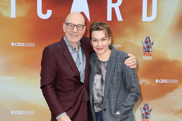 Sunny Ozell Sir Patrick Stewart Places His Handprints And Footprints In Cement At TCL Chinese Theatre IMAX