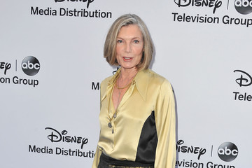 susan sullivan married