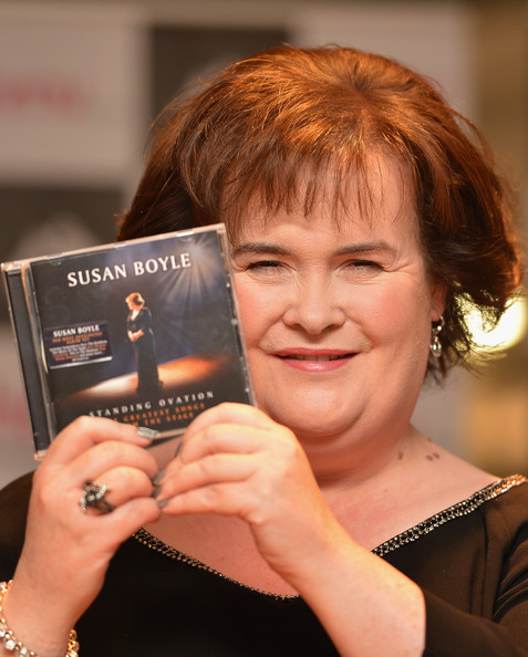 susan boyle signs her new album at hmv glasgow zimbio. Black Bedroom Furniture Sets. Home Design Ideas