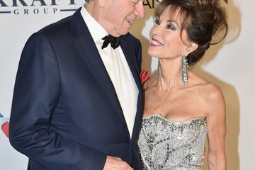 Susan Lucci Helmut Huber Elton John AIDS Foundation Commemorates Its 25th Year and Honors Founder Sir Elton John During New York Fall Gala - Arrivals