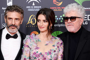 (L-R) Leonardo Sbaraglia, Penelope Cruz wearing Atelier Swarovski by Penelope Cruz Fine Jewelry and Pedro Almodovar attends the Goya Cinema Awards 2020 during the 34th edition of the Goya Cinema Awards at Jose Maria Martin Carpena Sports Palace on January 25, 2020 in Malaga, Spain.
