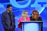 Amy Poehler Charlie Barnett Photos Photo