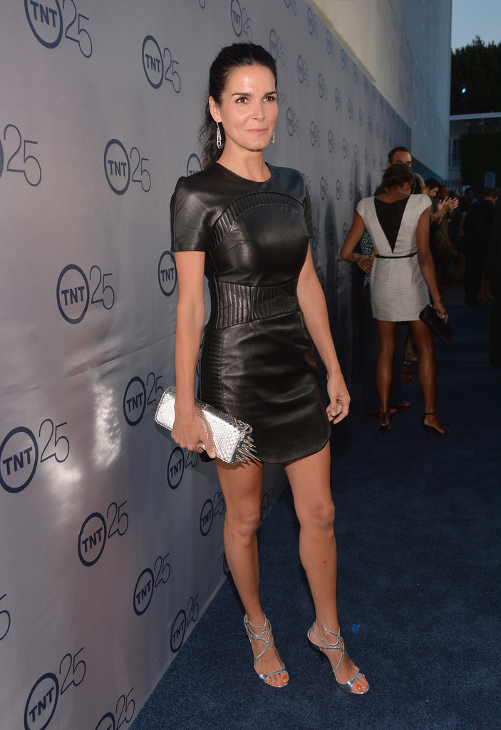 Angie Harmon Angie Harmon Photos Arrivals At Tnt S