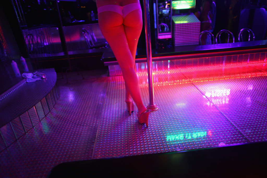 What It's Like To Date A Stripper