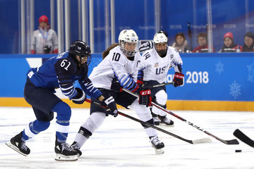 Tanja Niskanen Ice Hockey - Winter Olympics Day 2