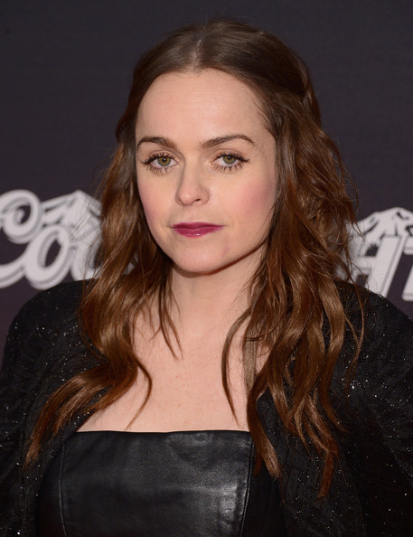 Taryn Manning Pictures - Local Gay Singles