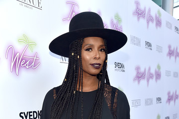 Tasha Smith Premiere of Neon's 'Ingrid Goes West' - Red Carpet