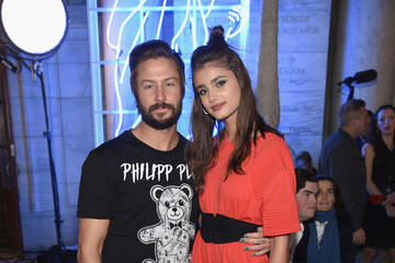 Taylor Hill Philipp Plein Fall/Winter 2017/2018 Women's And Men's Fashion Show - Front Row