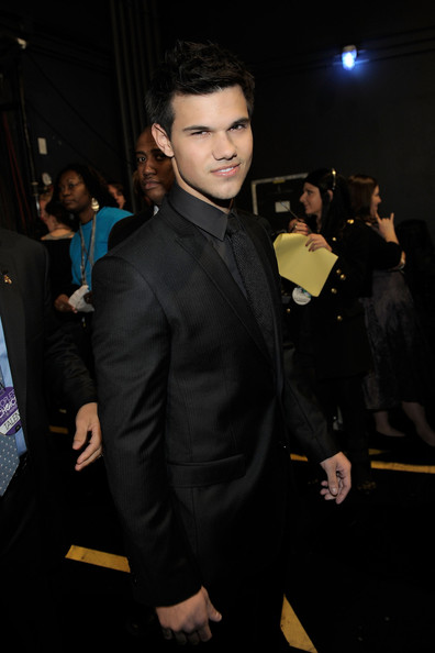 Taylor Lautner Actor Taylor Lautner attends the 2011 People's Choice Awards at Nokia Theatre L.A. Live on January 5, 2011 in Los Angeles, California.