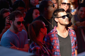 Taylor Lautner 2015 the Daytime Village at the iHeartRadio Music Festival  - Show
