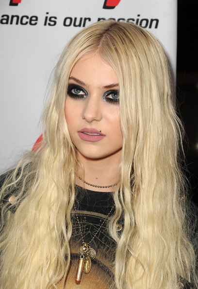 Taylor Momsen - 3rd Annual Revolver Golden God Awards - Arrivals