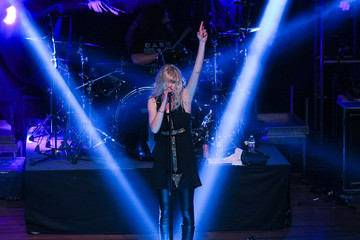 Taylor Momsen Halestorm With The Pretty Reckless In Concert - Nashville, Tennessee