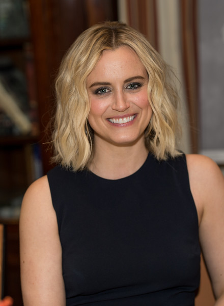 Gotham Magazine VIP Dinner with Cover Star Taylor Schilling [hair,blond,human hair color,beauty,hairstyle,chin,shoulder,layered hair,long hair,smile,taylor schilling,vip dinner,new york city,the lambs club,gotham magazine]
