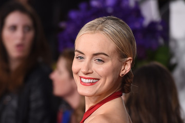 Taylor Schilling Arrivals at the Golden Globe Awards — Part 2