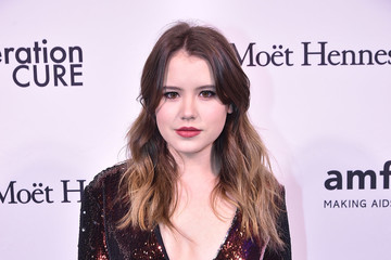 Taylor Spreitler 2016 amfAR GenerationCure Holiday Party