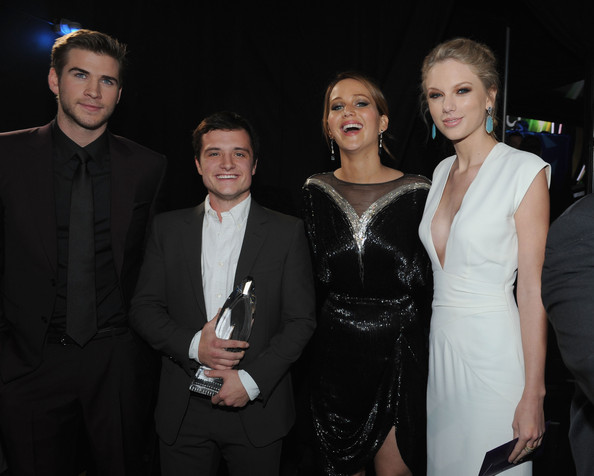 Taylor Swift (L-R) Actors Liam Hemsworth, Josh Hutcherson and Jennifer Lawrence and singer Taylor Swift attend the 39th Annual People's Choice Awards at Nokia Theatre L.A. Live on January 9, 2013 in Los Angeles, California.