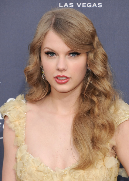 Taylor Swift Singer Taylor Swift arrives at the 46th Annual Academy Of Country Music Awards RAM Red Carpet held at the MGM Grand Garden Arena on April 3, 2011 in Las Vegas, Nevada.