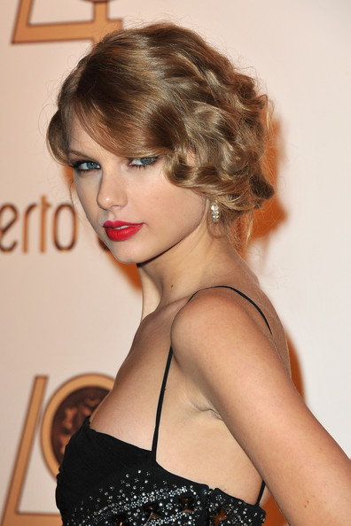 Taylor Swift Taylor Swift attends the Roberto Cavalli party at Les Beaux-Arts de Paris as part of the Paris Fashion Week Ready To Wear S/S 2011 on September 29, 2010 in Paris, France.