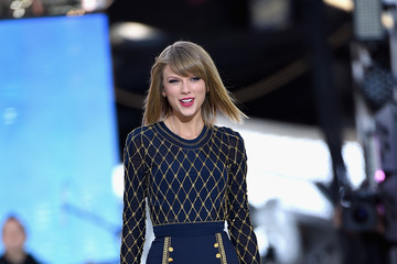 Taylor Swift Taylor Swift Performs on 'Good Morning America'