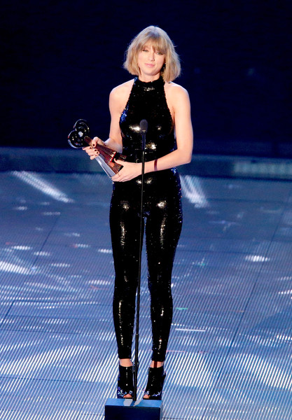 Taylor Swift Taylor Swift Photos Iheartradio Music Awards Show Zimbio