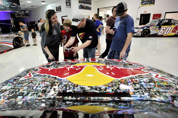 team red bull racing fan day pictures zimbio. Black Bedroom Furniture Sets. Home Design Ideas