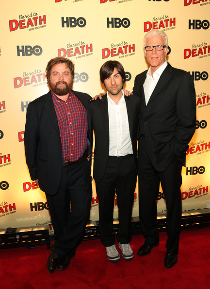 Ted Danson Jason Schwartzman Zach Galifianakis Ted Danson And Jason Schwartzman Photos Hbo S Bored To Death Premiere Zimbio