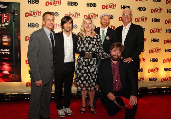 Ted Danson Jason Schwartzman Zach Galifianakis Sue Naegle Michael Lombardo Jonathan Ames Ted Danson And Zach Galifianakis Photos Hbo S Bored To Death Premiere Zimbio