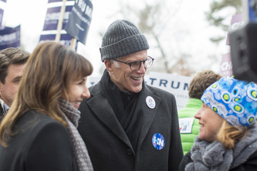 Ted Danson New Hampshire Voters Head to the Polls For State's 'First In The Nation' Primary