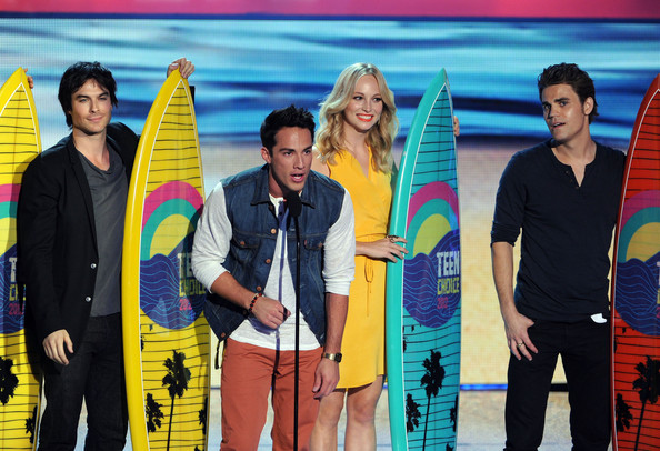 (L-R) Actors Ian Somerhalder, Michael Trevino, Candice Accola, and Paul Wesley accept the Choice Fantasy/Sci-Fi Show award onstage during the 2012 Teen Choice Awards at Gibson Amphitheatre on July 22, 2012 in Universal City, California.