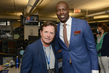 Terrell Owens Annual Charity Day Hosted By Cantor Fitzgerald, BGC and GFI - Cantor Fitzgerald Office - Inside
