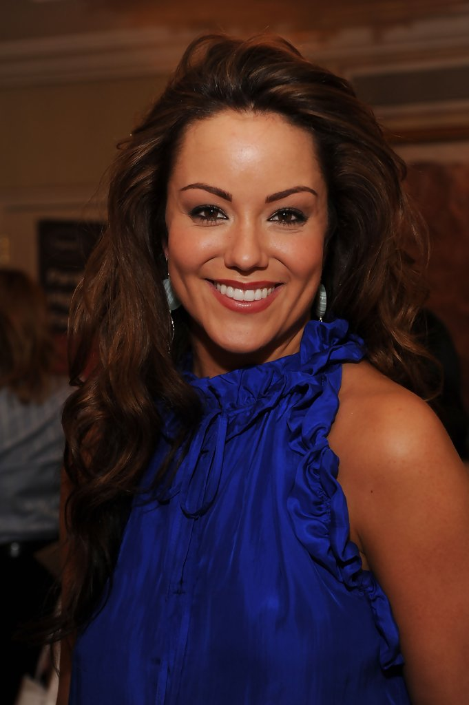 Katy Mixon in The DPA Gift Lounge - Day Two - Zimbio