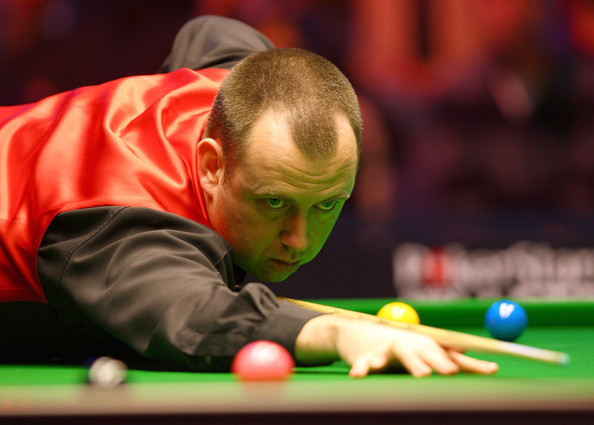 Mark Williams of Wales lines up a shot in his quarter final game against Shaun Murphy of England during the PokerStars.com Masters at Wembley Arena on January 14, 2010 in London, England.