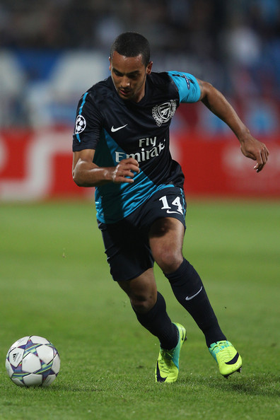 theo walcott photos photos olympique de marseille v arsenal fc uefa champions league zimbio. Black Bedroom Furniture Sets. Home Design Ideas