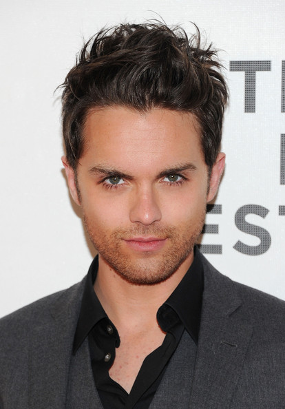 Thomas Dekker (actor) Wallpapers thomas dekker actor thomas dekker attends the premiere of