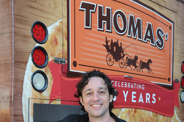 Thomas Ian Nicholas America's Favorite Celebrity Thomases To Celebrate The 135th Anniversary Of Thomas' English Muffins