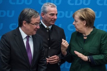 Thomas Strobl Merkel Considers Coalition With Social Democrats