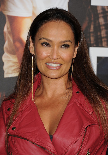 tia carrere band