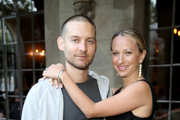 Tobey Maguire Jennifer Meyer for the Zoe Report Dinner