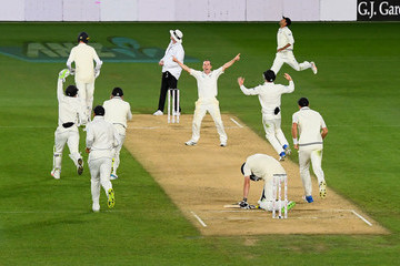 Todd Astle New Zealand vs. England - 1st Test: Day 5
