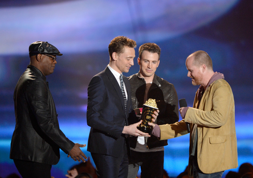 http://www2.pictures.zimbio.com/gi/Tom+Hiddleston+2013+MTV+Movie+Awards+Show+k9_uBo0FHx3x.jpg