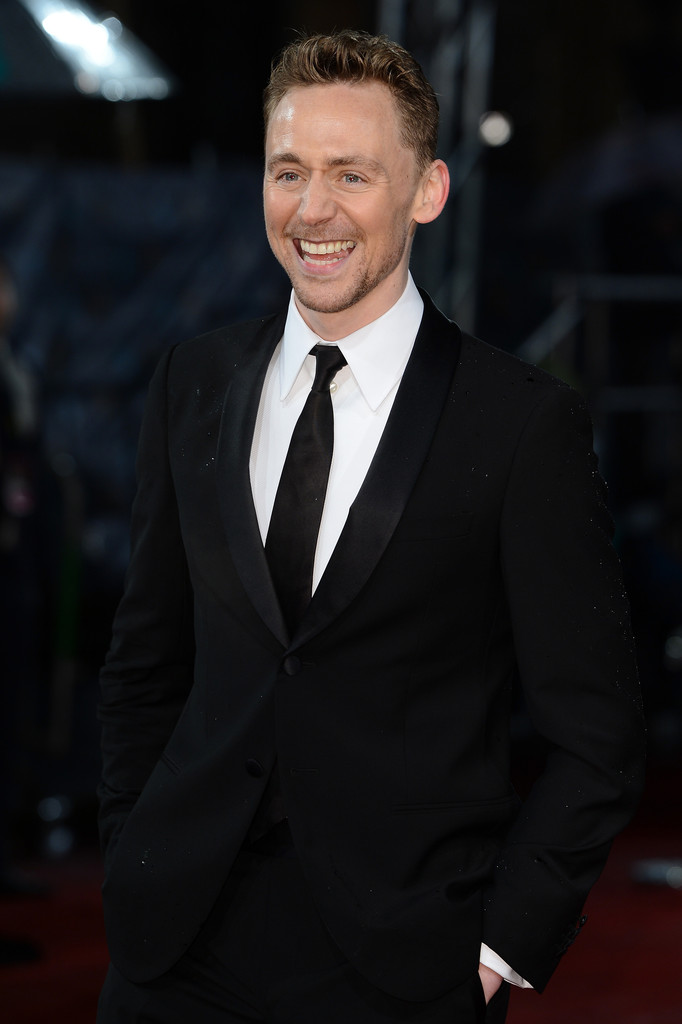 http://www2.pictures.zimbio.com/gi/Tom+Hiddleston+EE+British+Academy+Film+Awards+g08wXsX-FBJx.jpg