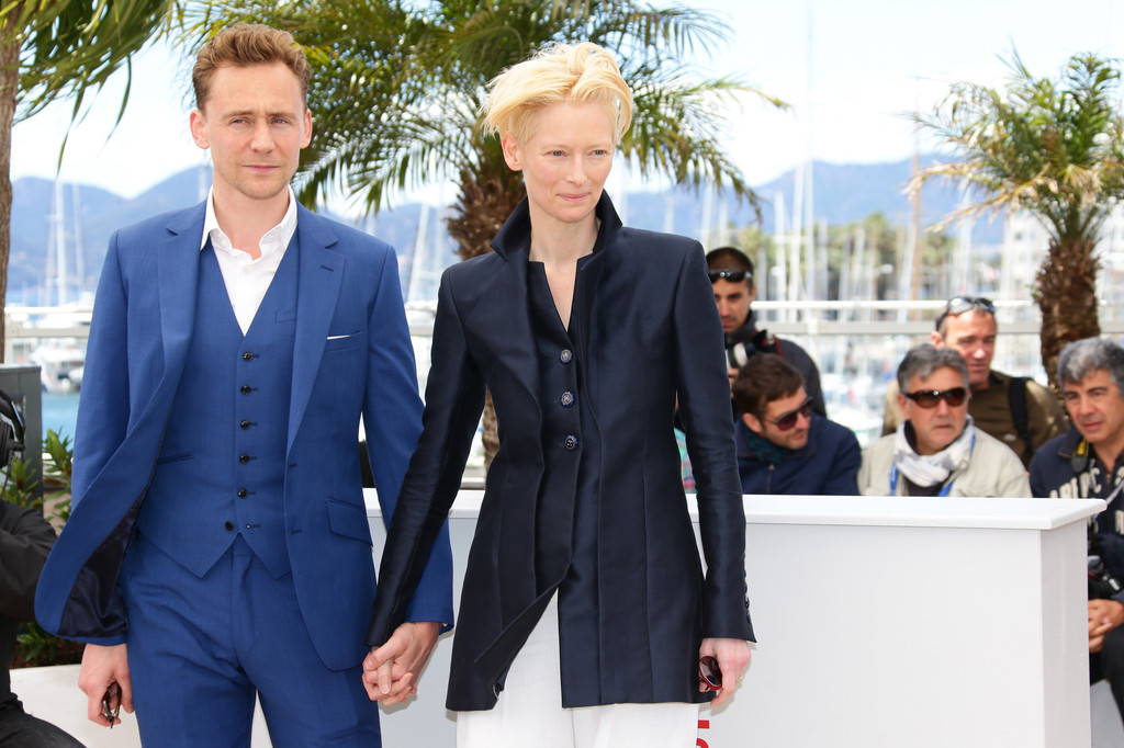 http://www2.pictures.zimbio.com/gi/Tom+Hiddleston+Only+Lovers+Left+Alive+Photo+naIVubqTtvTx.jpg