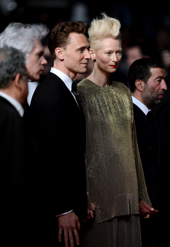 http://www2.pictures.zimbio.com/gi/Tom+Hiddleston+Only+Lovers+Left+Alive+Premieres+EgFSAE4TAwcx.jpg