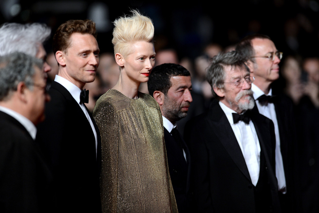 http://www2.pictures.zimbio.com/gi/Tom+Hiddleston+Only+Lovers+Left+Alive+Premieres+d6FVcn750Nsx.jpg