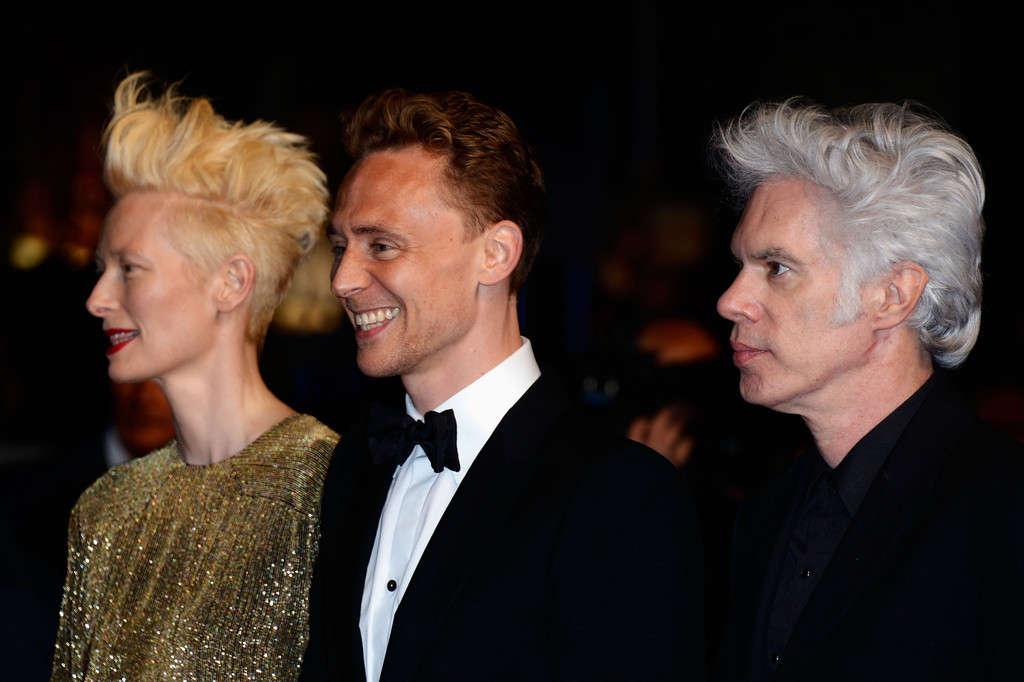 http://www2.pictures.zimbio.com/gi/Tom+Hiddleston+Only+Lovers+Left+Alive+Premieres+lkxxSwTakaZx.jpg
