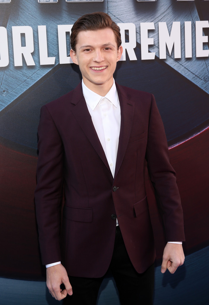 http://www2.pictures.zimbio.com/gi/Tom+Holland+World+Premiere+Marvel+Captain+1eOC9KHoP7rx.jpg