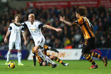 Tom Huddlestone Swansea City v Hull City