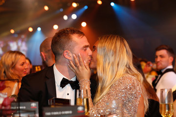 Tom Mitchell Hannah Jeter 2018 Brownlow Medal - Awards